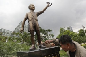Indonesia Obama Statue